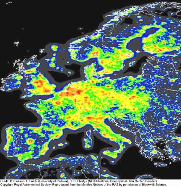 Lichtverschmutzung Karte Europa.Im Brennpunkt Die Nächte Werden Immer Heller
